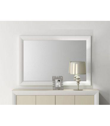 Espejo con marco curvo de madera VICTORIA
