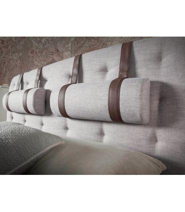 Cama de matrimonio en madera de nogal modelo TARRACO